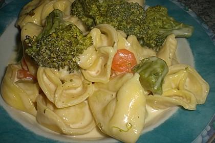 Tortelloni in Käsesahnesoße 43