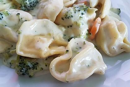 Tortelloni in Käsesahnesoße 17