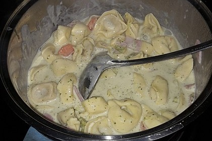 Tortelloni in Käsesahnesoße 28