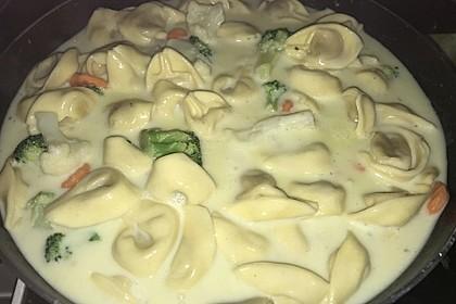 Tortelloni in Käsesahnesoße 38