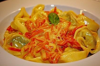 Tortelloni in Käsesahnesoße 23