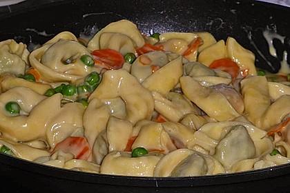 Tortelloni in Käsesahnesoße 21