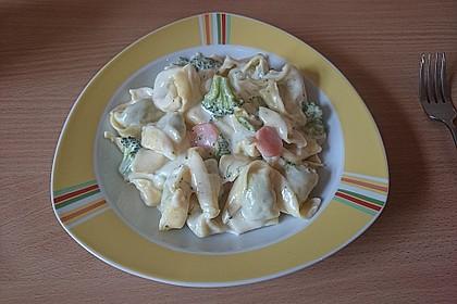 Tortelloni in Käsesahnesoße 35