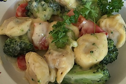 Tortelloni in Käsesahnesoße 34