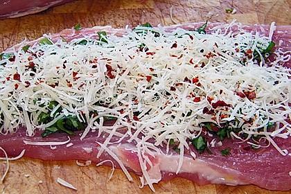 Schweinefilet mit Basilikum - Pecorino - Füllung 2