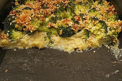 Brokkoliauflauf mit Mandel - Haferkruste