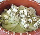Gurkensalat mit Schafskäse und Knoblauch (Bild)