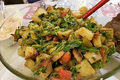 Kartoffelsalat mit grünen Bohnen (Bild)