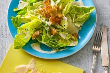 Caesar's Salad mit Parmesan - Croûtons 10
