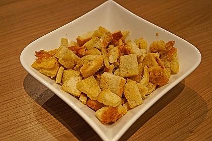 Caesar's Salad mit Parmesan - Croûtons 11