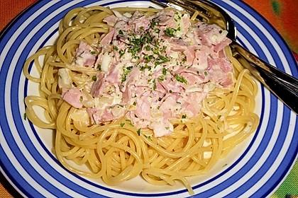 Spaghetti mit Schinken - Sahne - Sauce 3