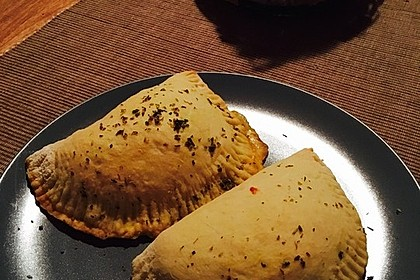 Gefüllte Pizzabrötchen 12