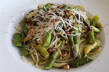 Spaghetti mit gebratenem Spargel und Bärlauchpesto 4
