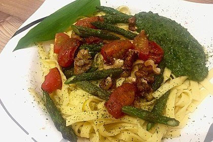 Spaghetti mit gebratenem Spargel und Bärlauchpesto 14
