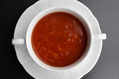 Leichte Tomatensuppe mit Reis 3