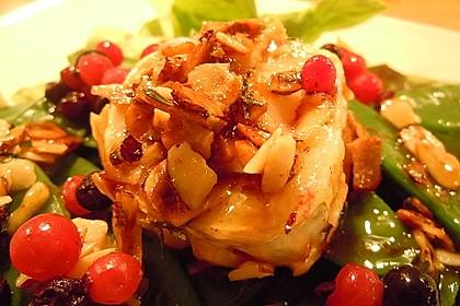 Ziegenfrischkäse, umhüllt von Honig - Haselnuss - Kruste 2