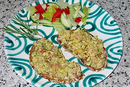Zucchini-Schinken-Rührei auf Brot 5