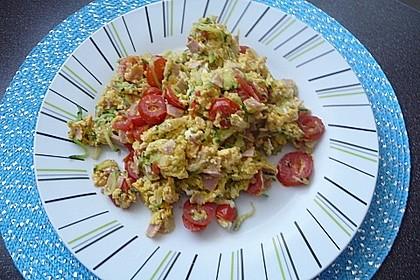 Zucchini-Schinken-Rührei auf Brot 7