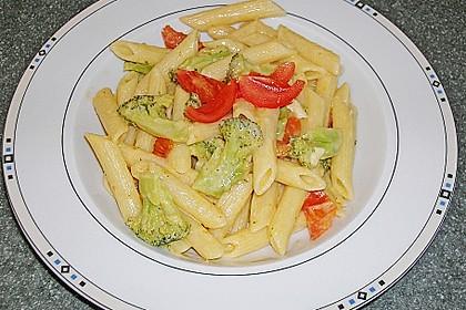 Brokkoli - Nudeln in Käsesauce 5