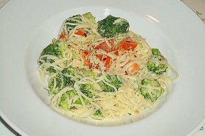 Brokkoli - Nudeln in Käsesauce 4