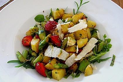 Bratkartoffelsalat mit Avocado und grünem Spargel in Orangen - Balsamico - Dressing 1