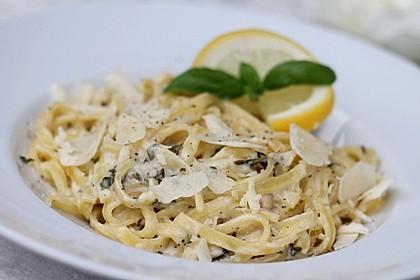 Tagliatelle mit Zitronen-Basilikum-Sauce 4