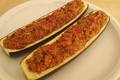 Vegetarisch gefüllte Zucchini mit Quinoa und Ahornsirup 17