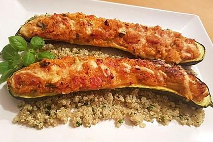 Vegetarisch gefüllte Zucchini mit Quinoa und Ahornsirup 8