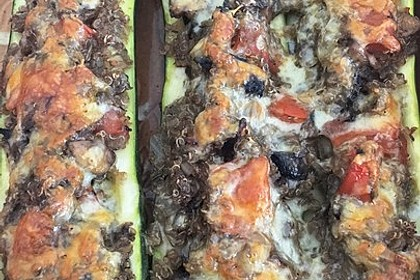 Vegetarisch gefüllte Zucchini mit Quinoa und Ahornsirup 25