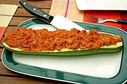 Vegetarisch gefüllte Zucchini mit Quinoa und Ahornsirup 10