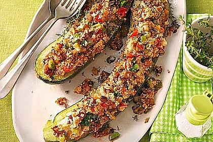 Vegetarisch gefüllte Zucchini mit Quinoa und Ahornsirup