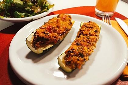 Vegetarisch gefüllte Zucchini mit Quinoa und Ahornsirup 4