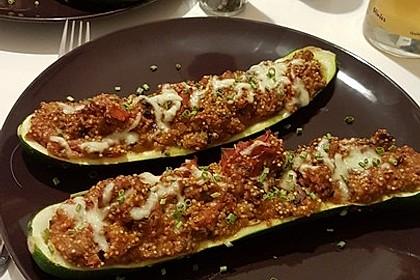 Vegetarisch gefüllte Zucchini mit Quinoa und Ahornsirup 31