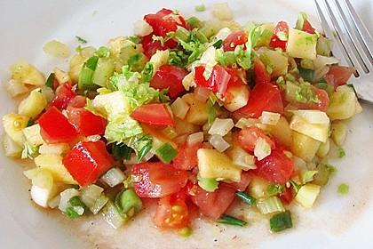 Apfel - Staudensellerie - Salat mit Kirschtomaten 2