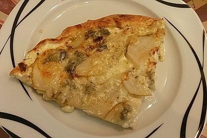 Pizza mit Birnen, Gorgonzola und Honig 1