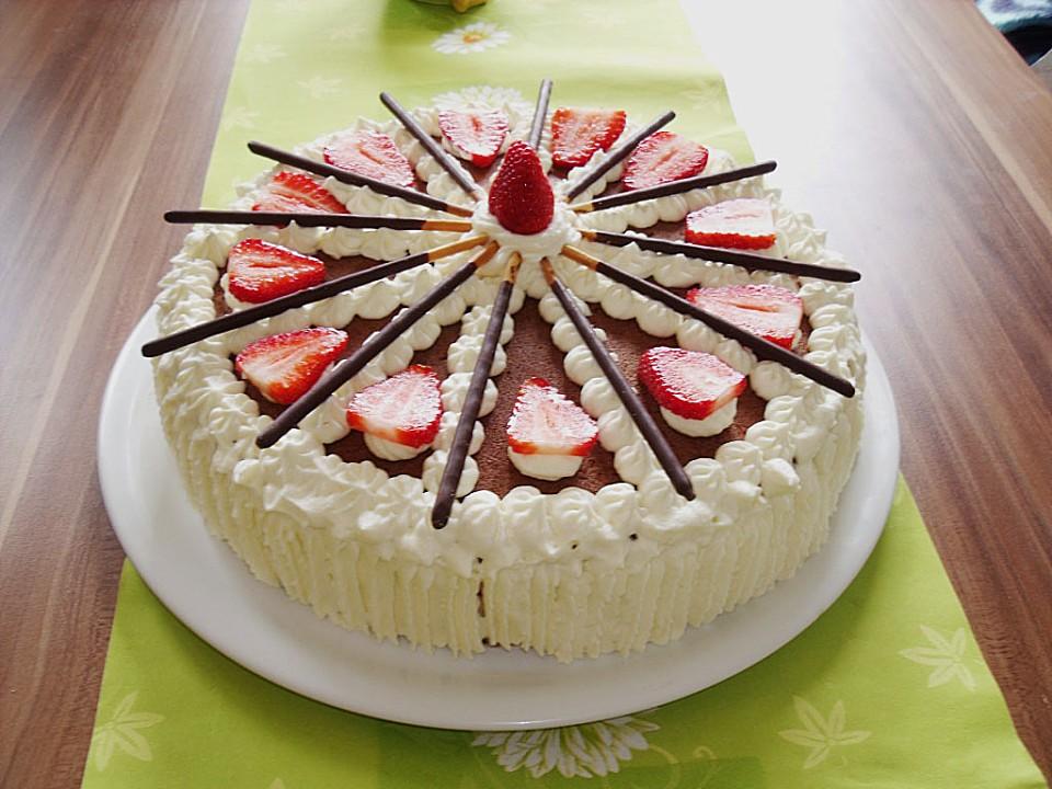 Mikado Erdbeer Torte Mit Weisser Schokolade Von Manu Zimbo