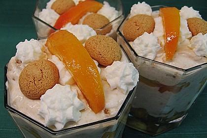 Amaretto - Crème mit Pfirsichen 2