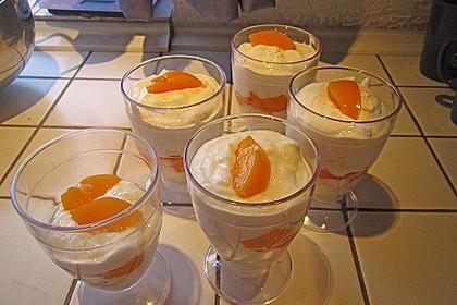Amaretto - Crème mit Pfirsichen 7