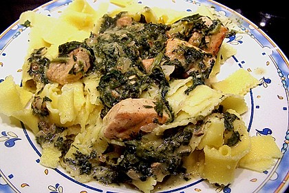Bandnudeln in Lachs - Spinat Sauce 2