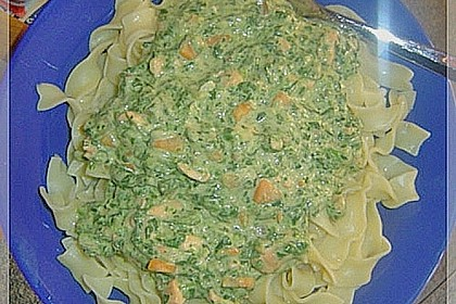 Bandnudeln in Lachs - Spinat Sauce 5