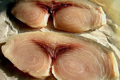 Gegrillte Schwertfisch - Steaks mit Avocado - Salsa 5