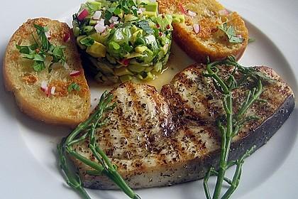 Gegrillte Schwertfisch - Steaks mit Avocado - Salsa