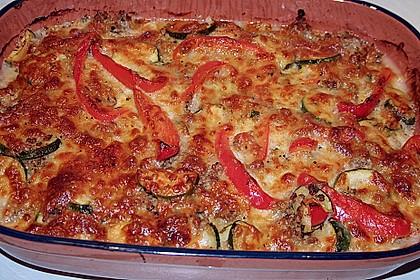 Kartoffelkuchen mit Lamm und Gemüse