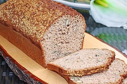 Dinkel - Buchweizen - Brot 2