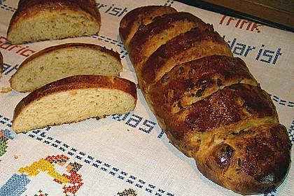 Zwiebelbaguette mit Kräuterschmelzkäse 2