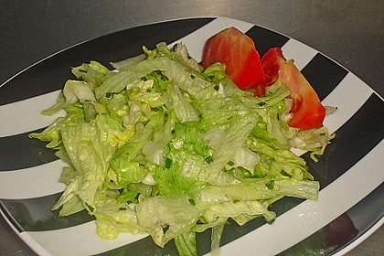 Eisbergsalat mit süß - saurem Zitronendressing 14