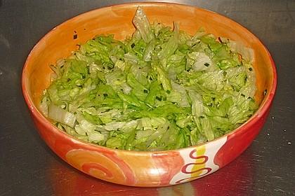 Eisbergsalat mit süß - saurem Zitronendressing 5