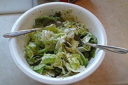 Eisbergsalat mit süß - saurem Zitronendressing 18