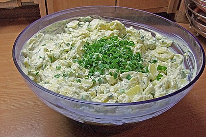 Kartoffelsalat mit Schmelzkäsesoße 1