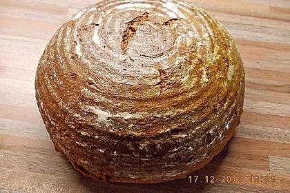 Würzig - malziges Roggenmischbrot mit Sauerteig 13